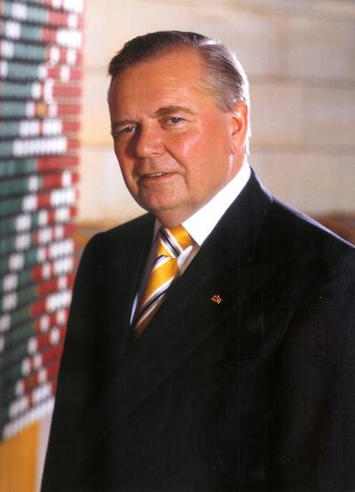 Ulrich Schmidt.jpg
