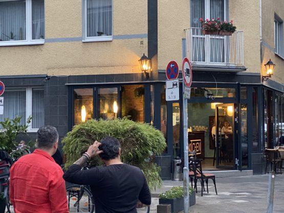The Kitchen an der Tußmannstraße – ein Cappuccino wie ein Gedicht und die versalzene Bouillabaisse
