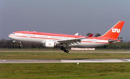 260px-LTU_Airbus_A330-200_D-ALPC.jpg